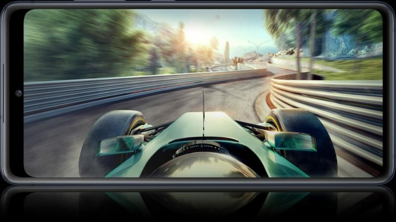 Notebook GSM -  Samsung Galaxy S20FE Mobiltelefon, Kártyafüggetlen, Dual Sim